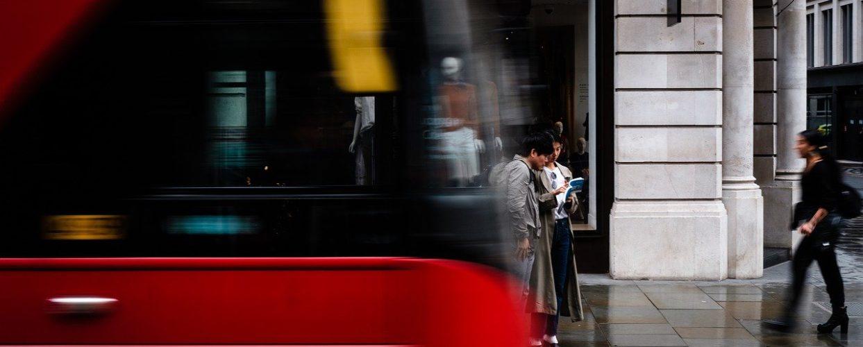 Na co zwrócić uwagę, jeśli decydujemy się na wynajem busa?